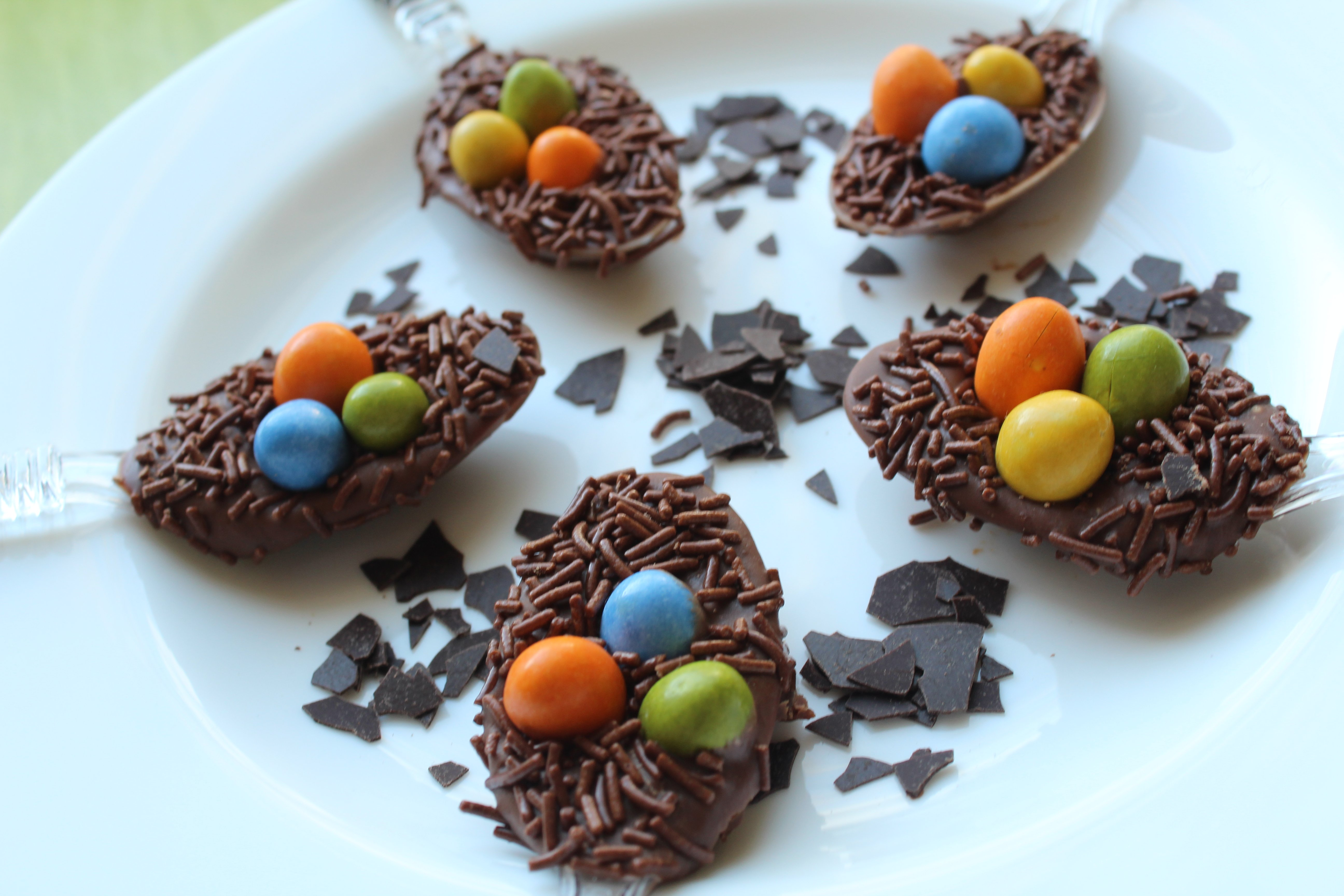 Kid-Friendly: Chocolate Easter Egg Nests